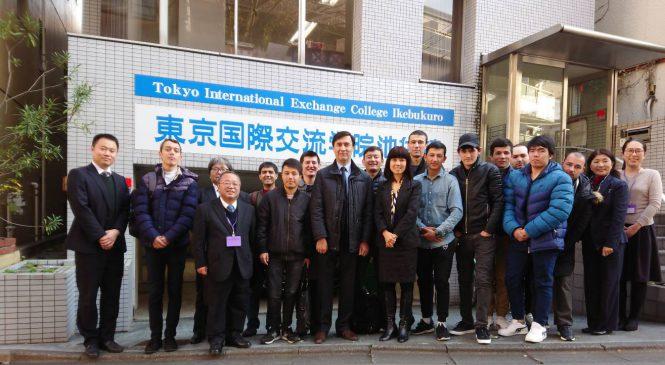 ウズベキスタン大使館      タヒロフ エルキン領事が本校を訪問